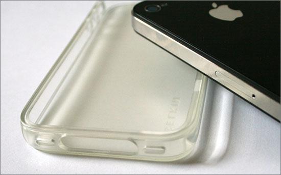 Belkin Grip Vue iPhone 4 case yellowing picture