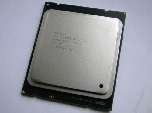 Intel Core i7-3820 CPU Sandy Bridge-E processor image