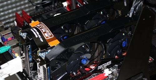 Sapphire Radeon HD 7950 video card CrossFireX image